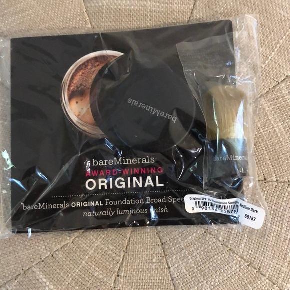 $4 w/bundle: Bareminerals Medium Dark Foundation